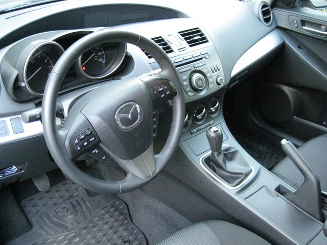 Picture of 2012 Mazda MAZDA3 i Touring Hatchback, interior