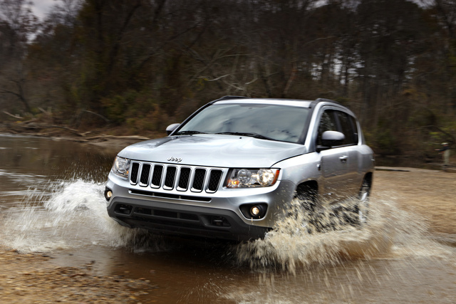 2013 Jeep Compass, Front-quarter view, exterior, manufacturer, gallery_worthy