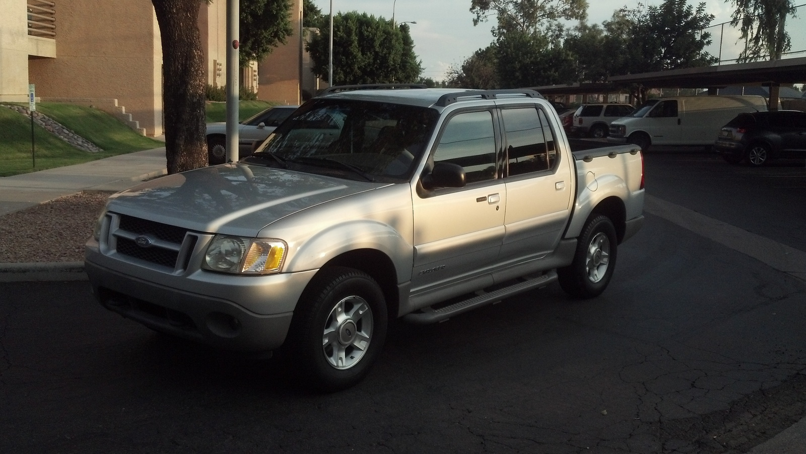 picture of 2002 ford explorer sport trac 4 dr std crew cab sb. Cars Review. Best American Auto & Cars Review