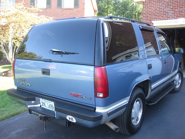 Picture of 1996 GMC Yukon SLE 4WD, exterior