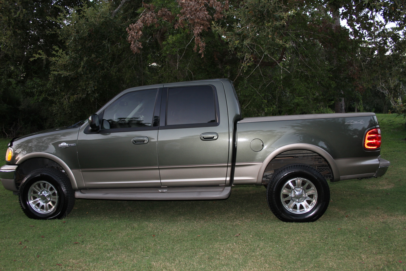 2002 ford f 150 supercrew reviews expert car reviews on. Black Bedroom Furniture Sets. Home Design Ideas