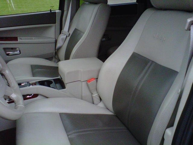 2005 Jeep Grand Cherokee Laredo Interior