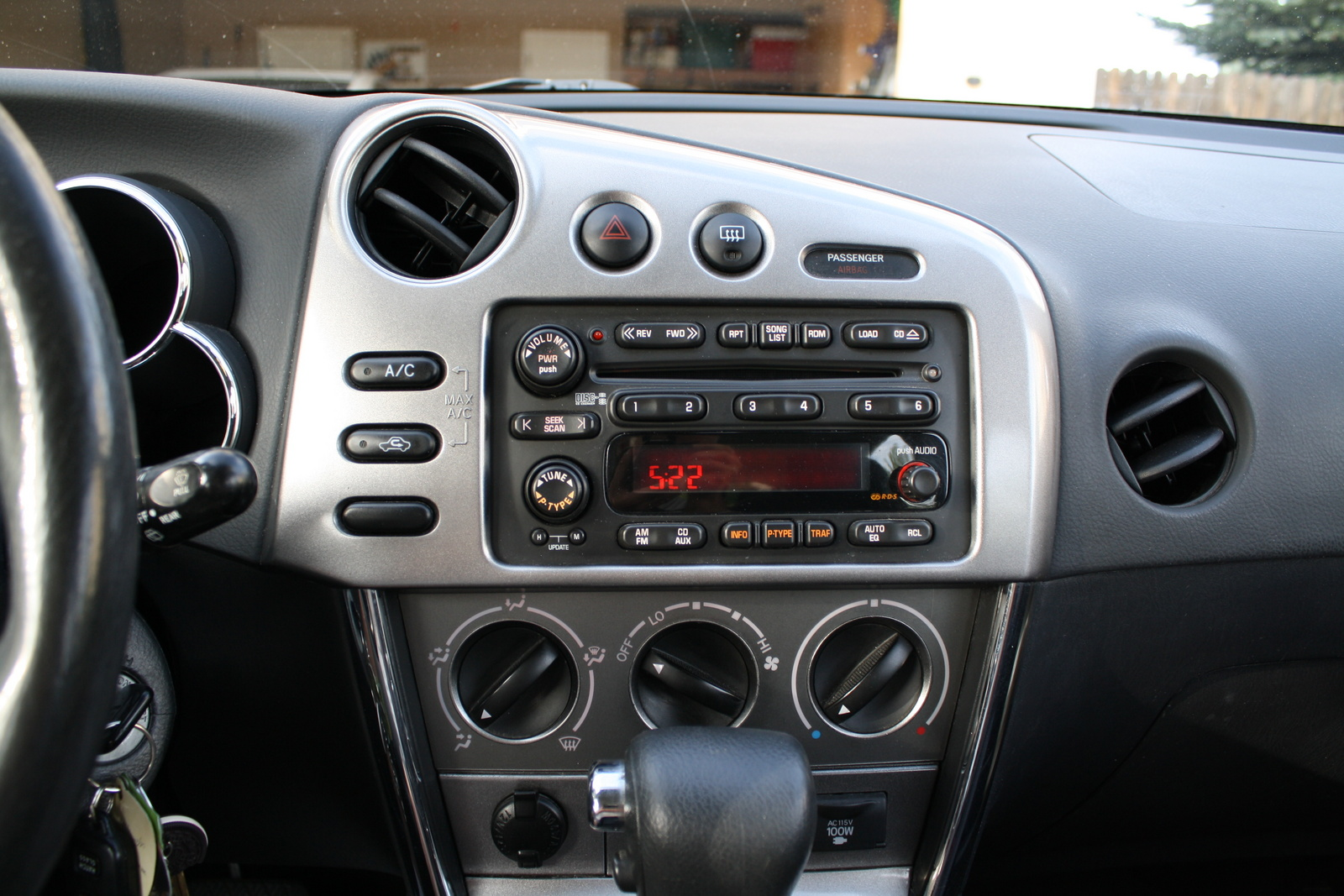 2005 pontiac vibe interior pictures cargurus. Black Bedroom Furniture Sets. Home Design Ideas