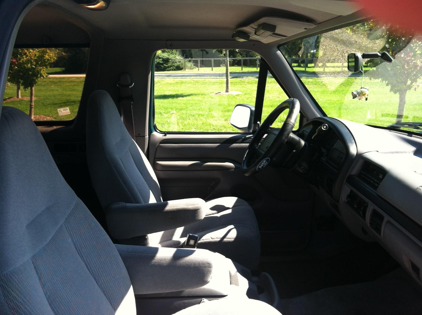 1996 Ford bronco interior