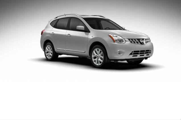 2013 Nissan Rogue, exterior right front quarter view, exterior, manufacturer