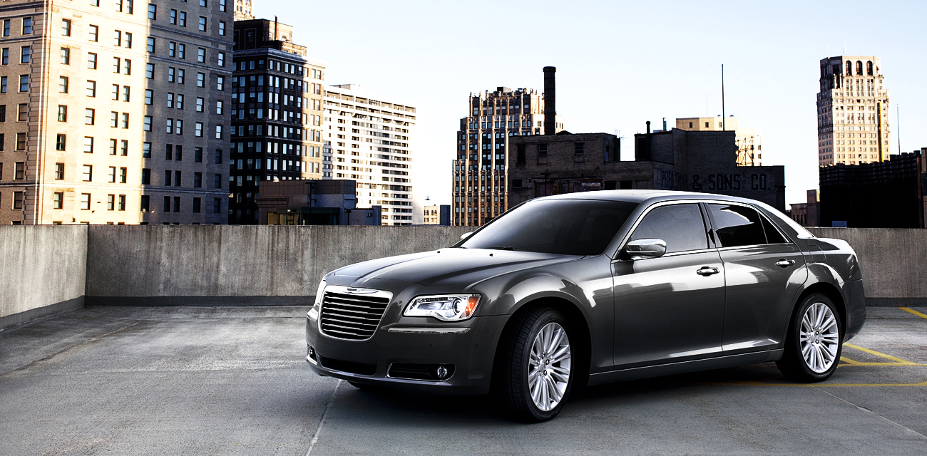 2013 Chrysler 300, exterior left front quarter view, manufacturer, exterior