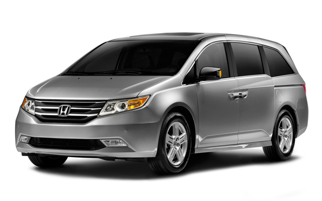 2013 Honda Odyssey, exterior front left quarter view, exterior, manufacturer, gallery_worthy