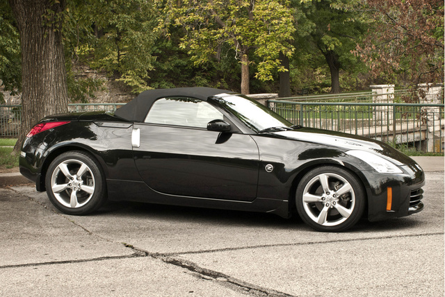 2009 nissan 350z pictures cargurus. Black Bedroom Furniture Sets. Home Design Ideas