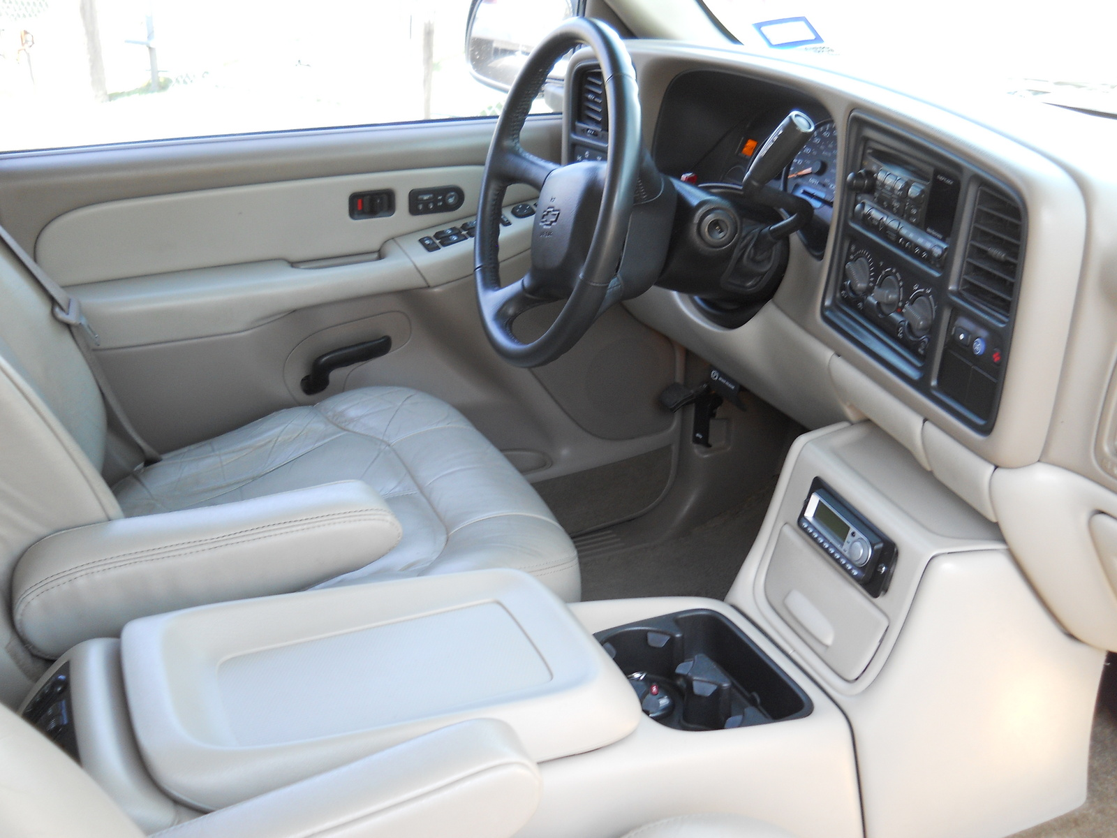2002 chevrolet tahoe interior pictures to pin on pinterest pinsdaddy for 2001 chevy tahoe interior parts