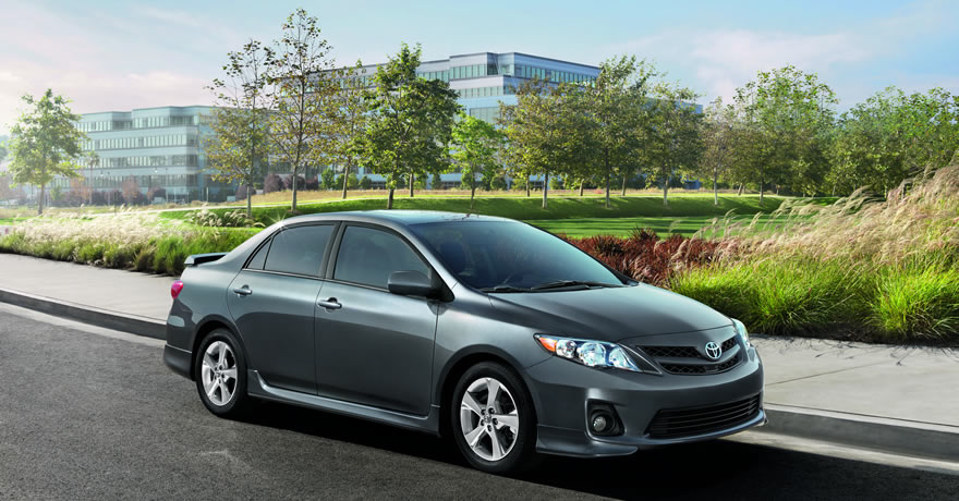 2013 Toyota Corolla, right front quarter view, manufacturer, exterior