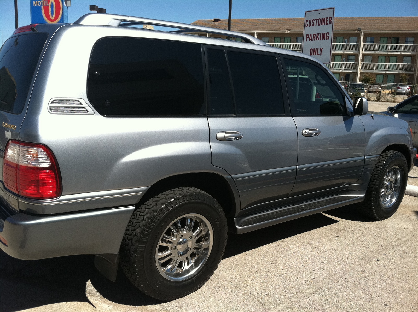 Picture of 2004 Lexus LX 470 4 Dr STD 4WD SUV