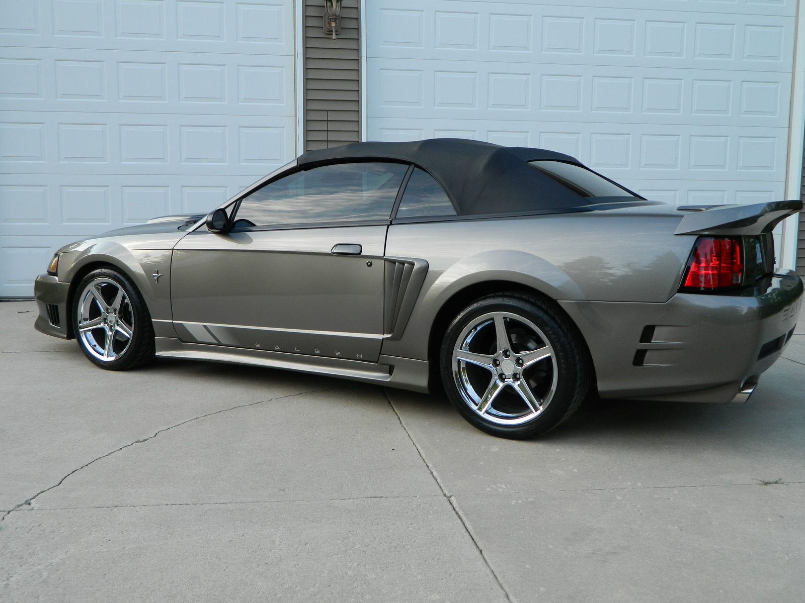 2001 ford mustang pictures cargurus. Black Bedroom Furniture Sets. Home Design Ideas
