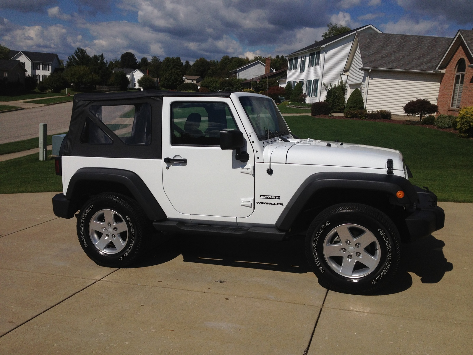 picture of 2012 jeep wrangler sport exterior. Cars Review. Best American Auto & Cars Review