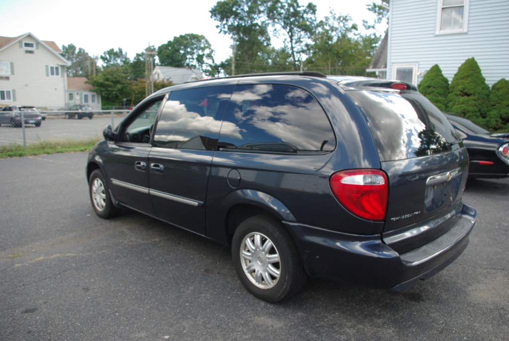 picture of 2007 chrysler town country 4 dr touring exterior. Cars Review. Best American Auto & Cars Review