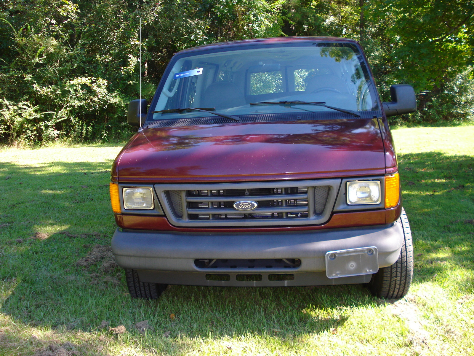 Picture of 2004 Ford Econoline Wagon 3 Dr E-150 XL Passenger Van