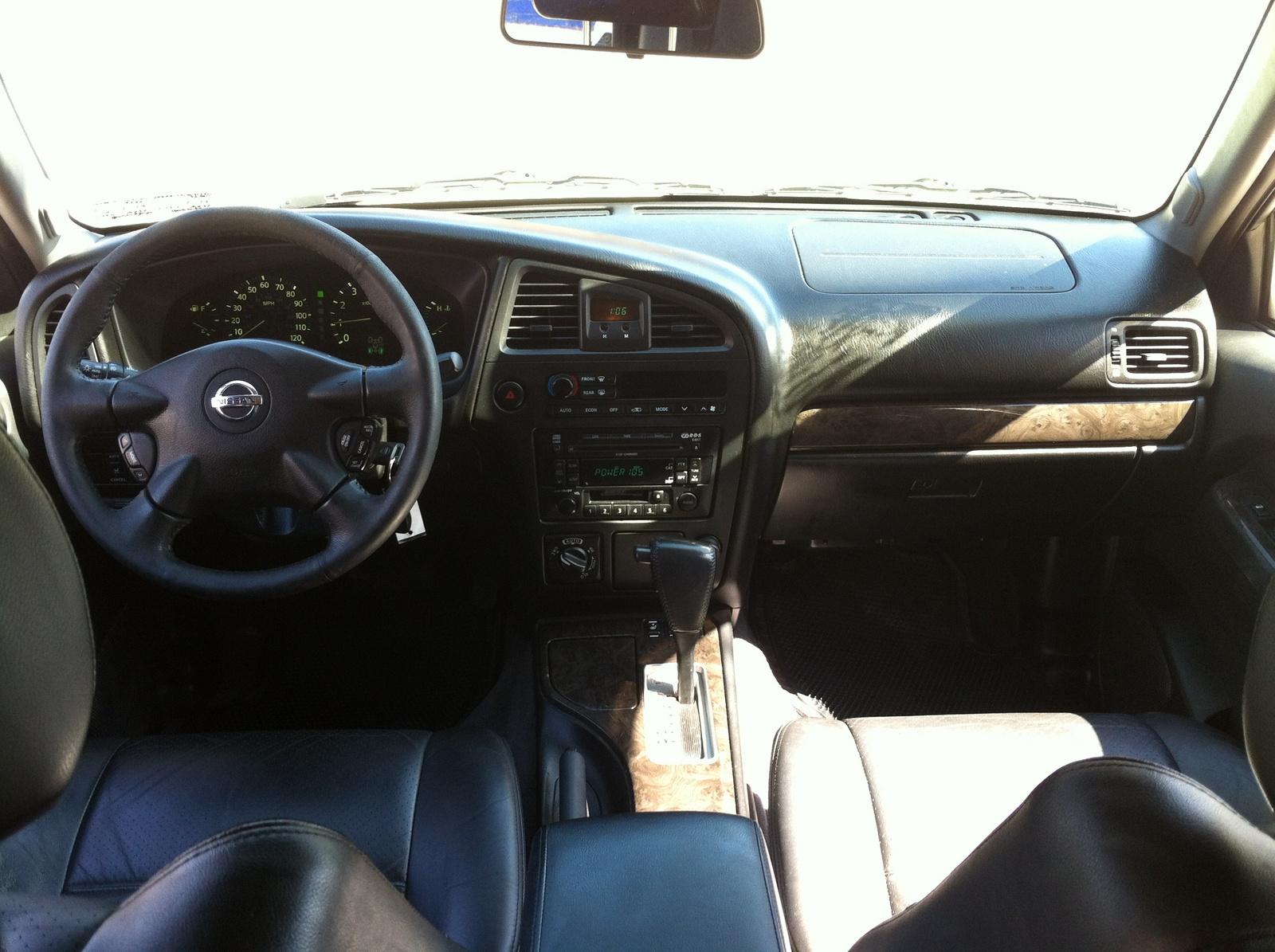 2004 Nissan Pathfinder Interior Photos