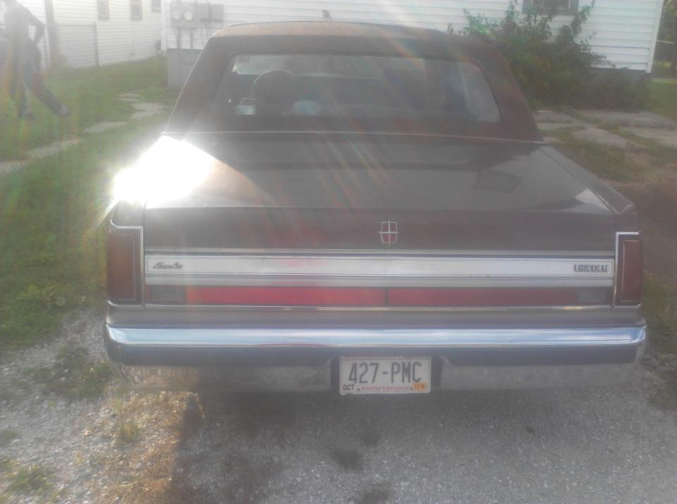 Picture of 1988 Lincoln Town Car