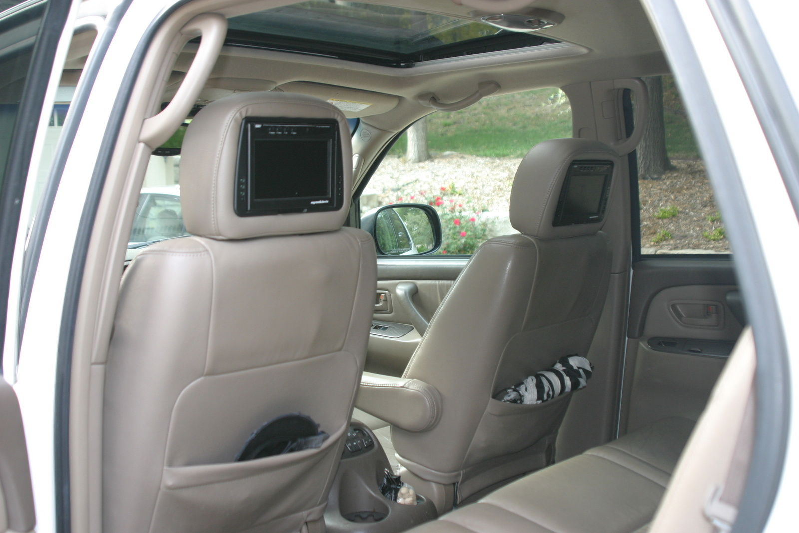 2003 toyota sequoia pictures cargurus - Toyota sequoia interior dimensions ...