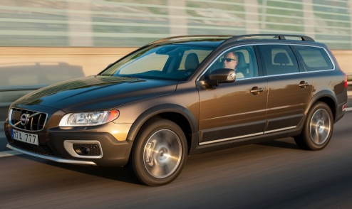 2013 Volvo XC70, Front quarter view., exterior, manufacturer