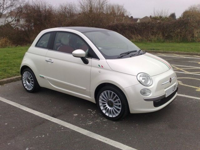 Picture of 2010 FIAT 500