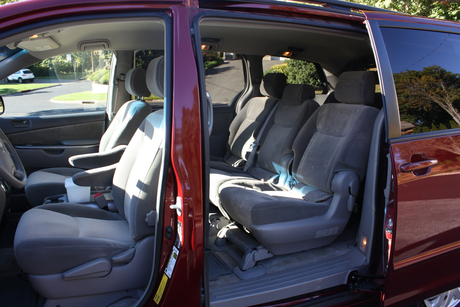 Toyota Sienna Le Passenger Pic