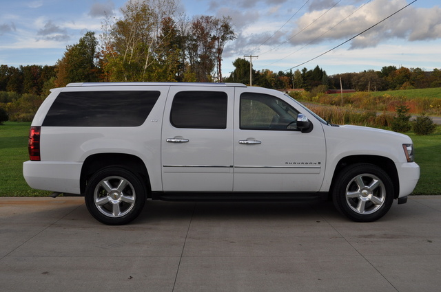 Picture of 2009 Chevrolet Suburban LTZ 1500 4WD, exterior, gallery_worthy