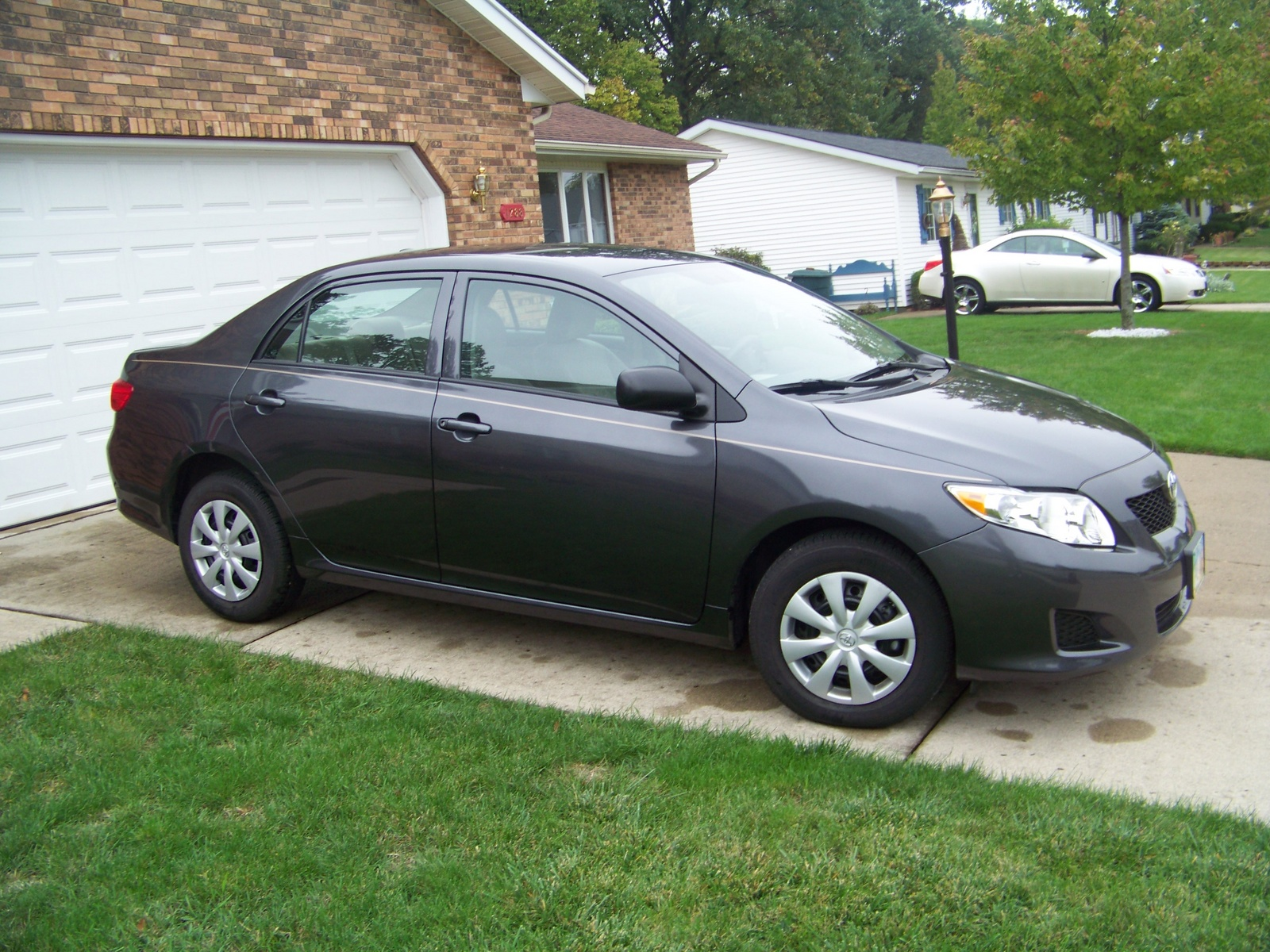 2010 toyota corolla - pictures