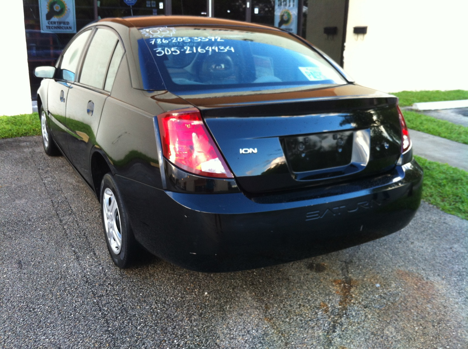 2005 Saturn ION picture
