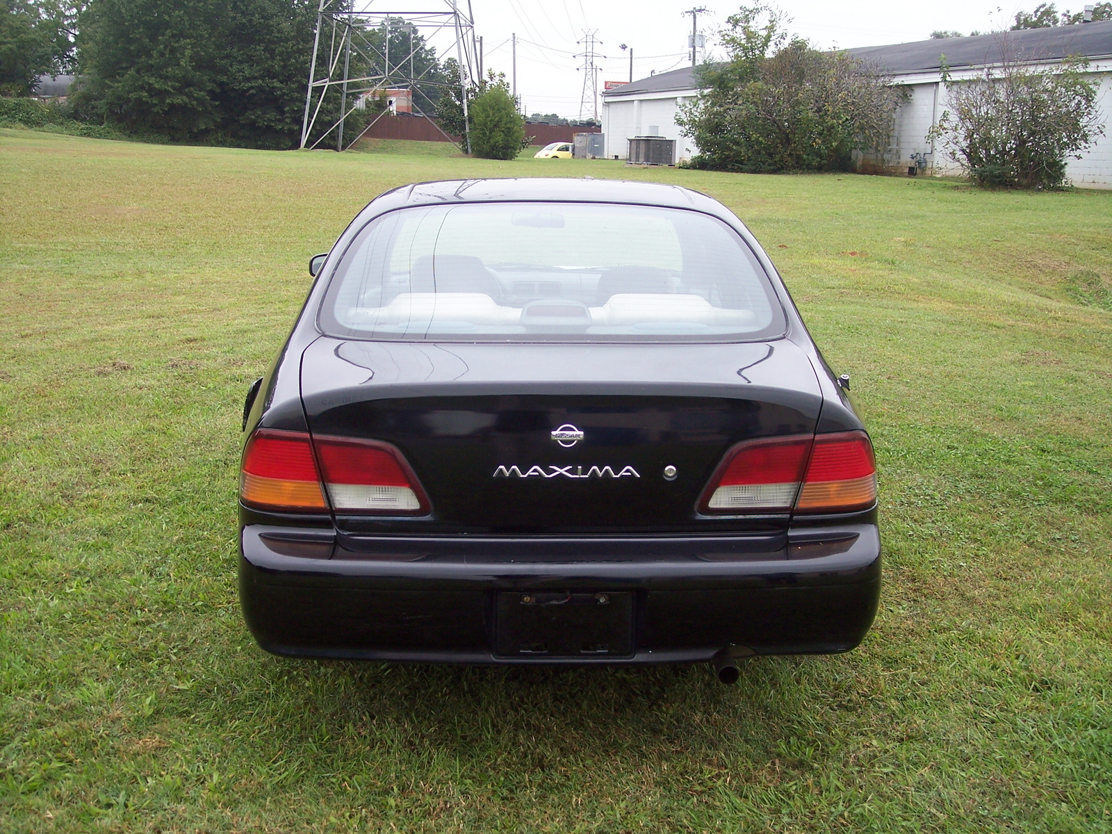 1997 Nissan Maxima - Pictures