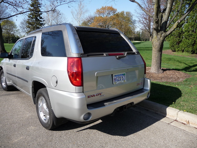Picture of 2005 GMC Envoy XUV 4 Dr SLE 4WD SUV, exterior