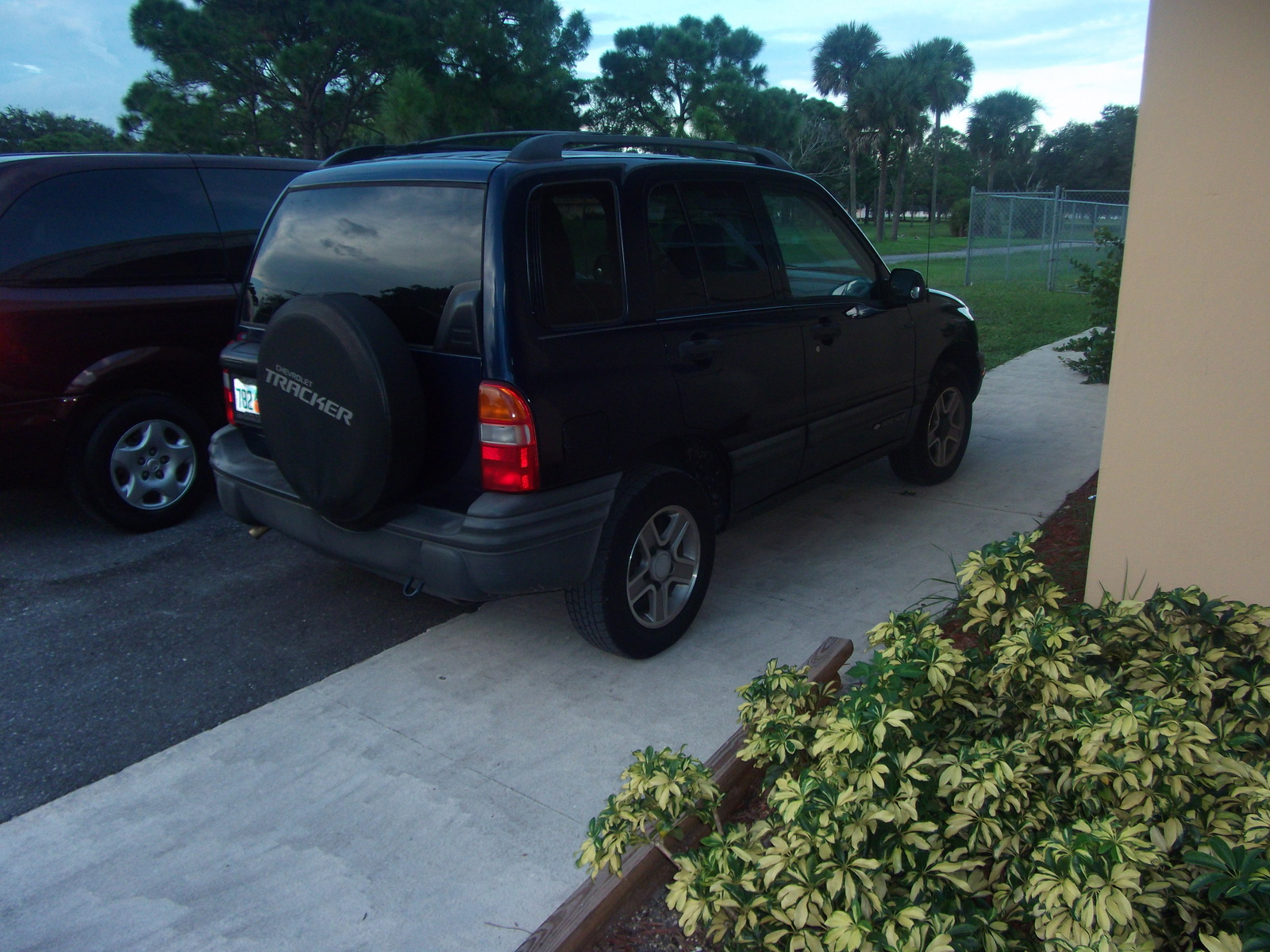 2003 Chevrolet Tracker Base picture