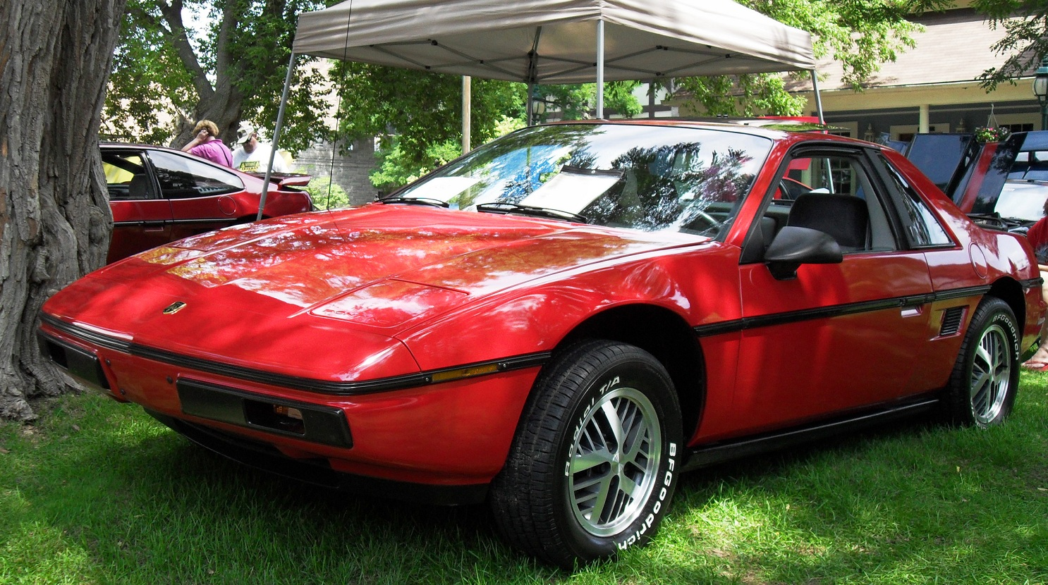 1984 pontiac fiero exterior pictures cargurus. Black Bedroom Furniture Sets. Home Design Ideas