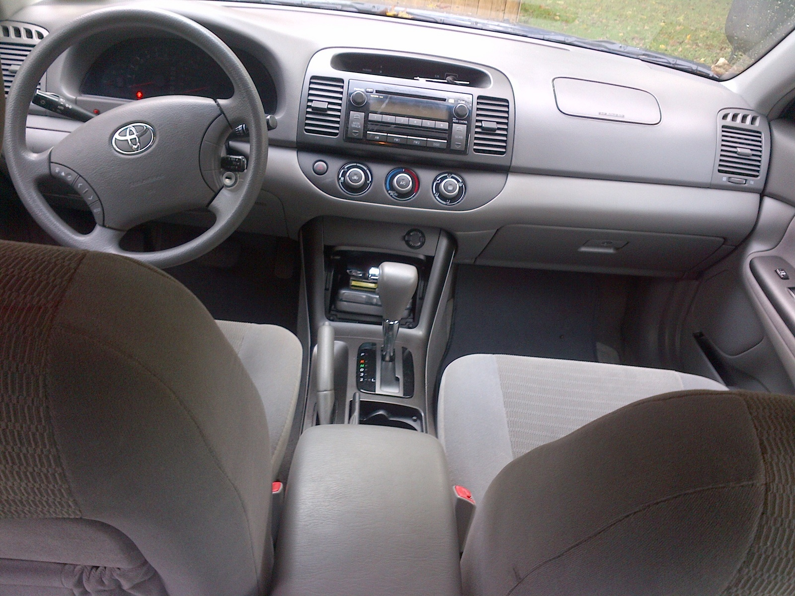 2005 toyota camry interior pictures cargurus. Black Bedroom Furniture Sets. Home Design Ideas
