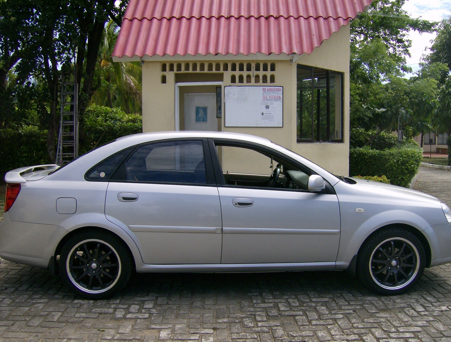 All Chevy chevy 2005 : 2005 Chevrolet Optra - Overview - CarGurus