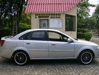 2005 Chevrolet Optra Overview