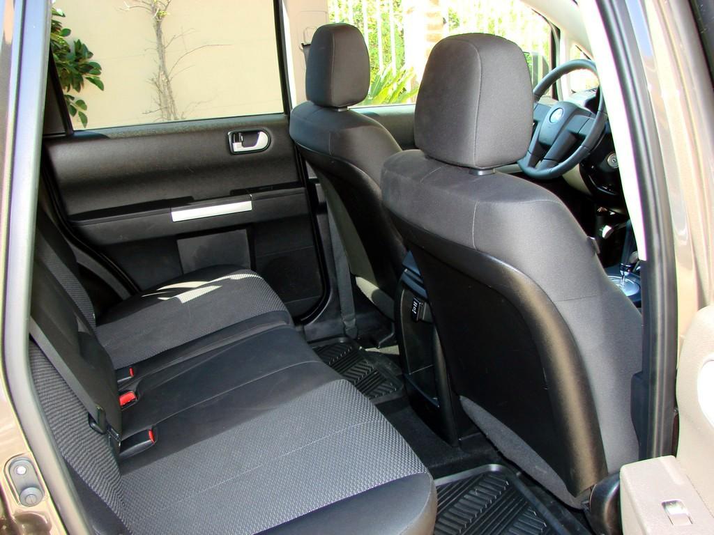 2011 Mitsubishi Endeavor Pictures Cargurus