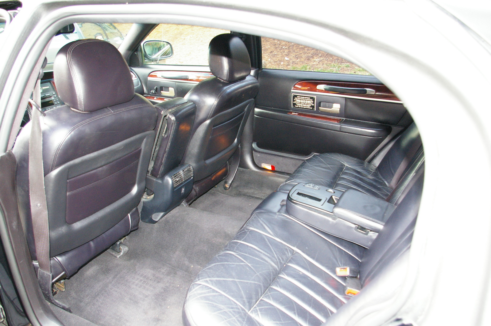 lincoln town car 2009 executive l. Black Bedroom Furniture Sets. Home Design Ideas