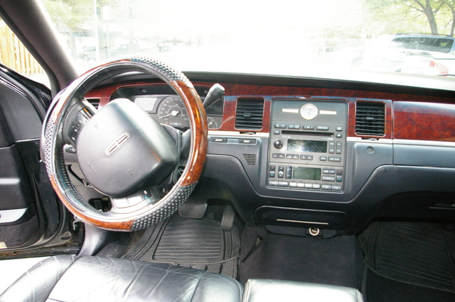 2005 Lincoln Town Car Interior Pictures Cargurus