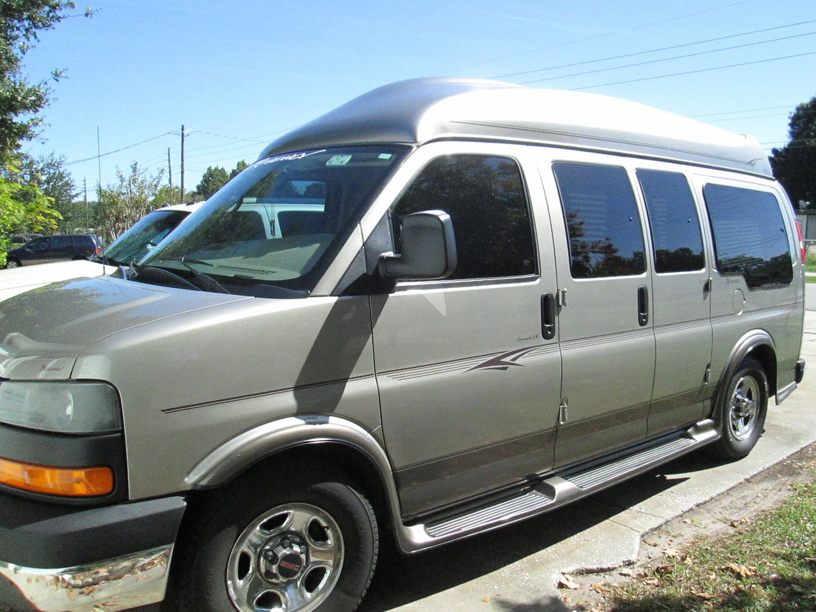 Picture of 2004 GMC Savana G1500
