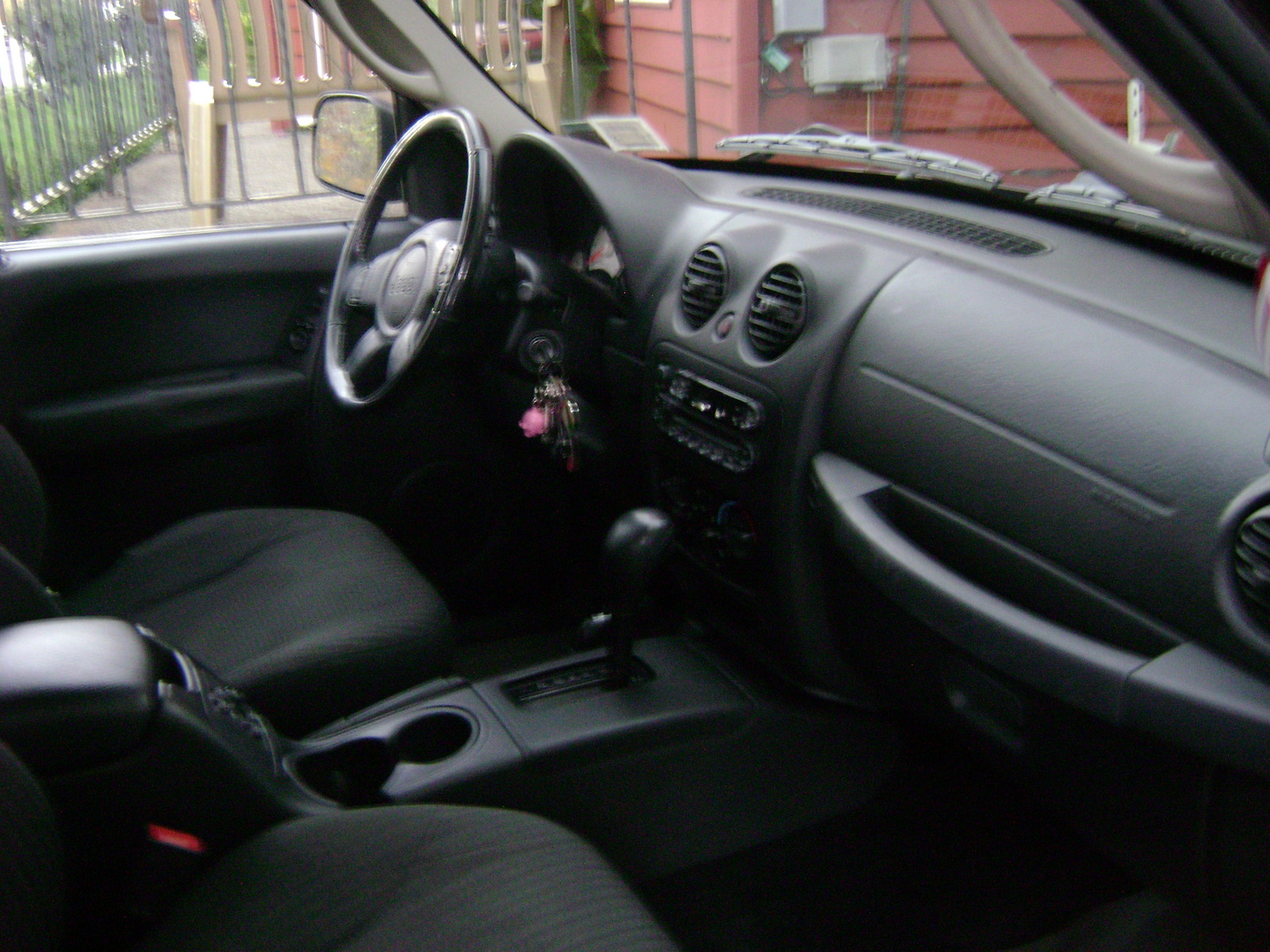 2004 Jeep Liberty Sport >> 2004 Jeep Liberty - Interior Pictures - CarGurus