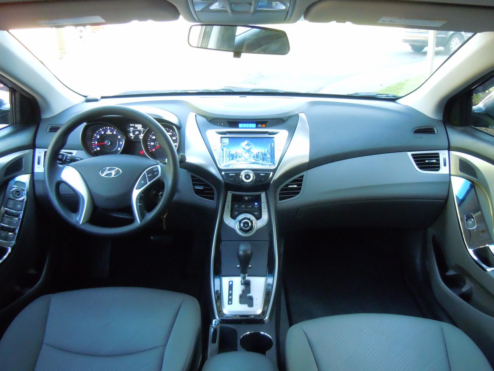 2012 Hyundai Elantra Interior Pictures Cargurus