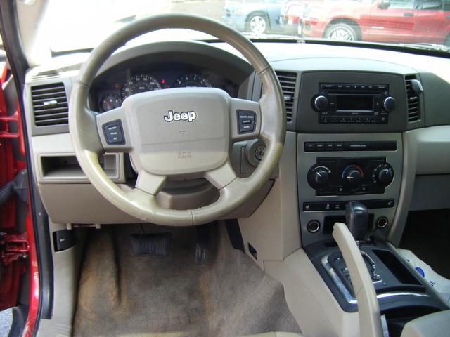 2006 jeep grand cherokee interior pictures cargurus. Black Bedroom Furniture Sets. Home Design Ideas