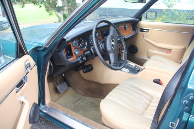Picture of 1983 Jaguar XJ-Series XJ6 Sedan, interior