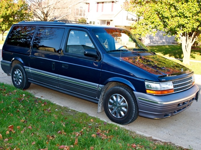 Picture of 1994 Plymouth Grand Voyager 3 Dr LE Passenger Van Extended
