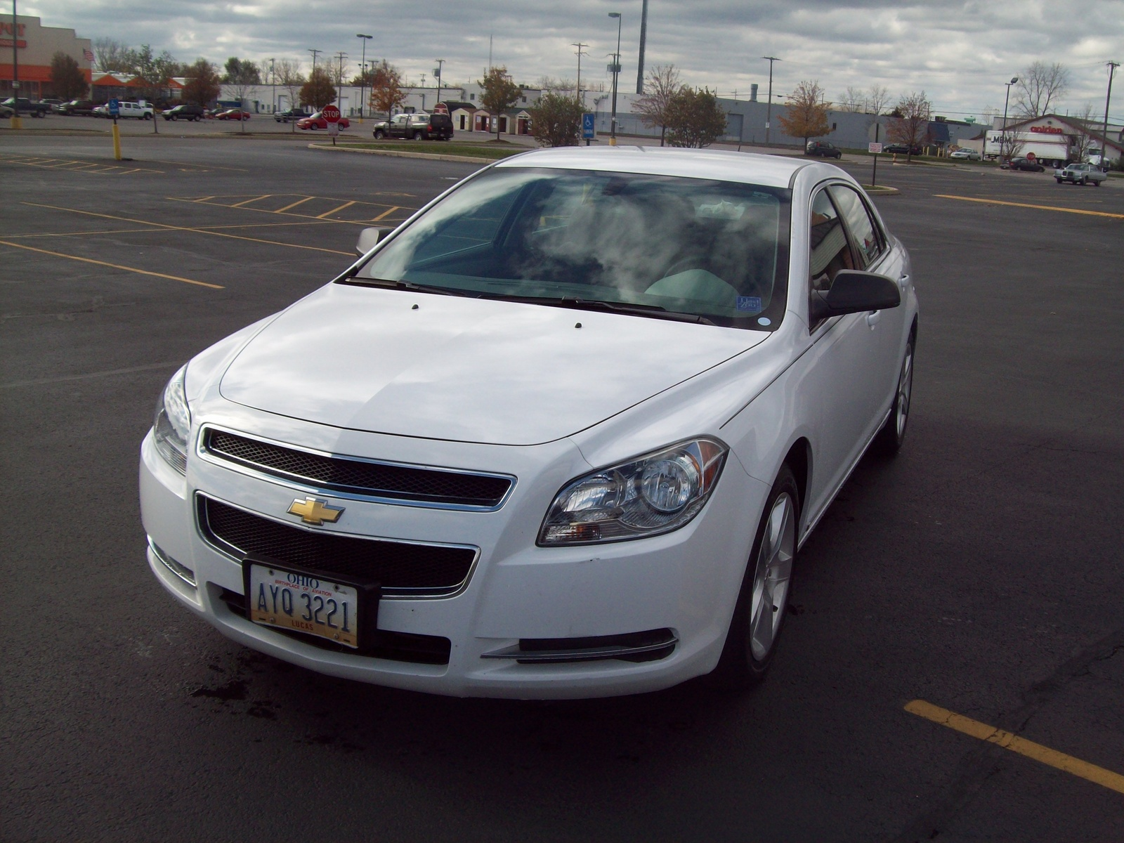 2009 chevrolet malibu pictures cargurus. Black Bedroom Furniture Sets. Home Design Ideas