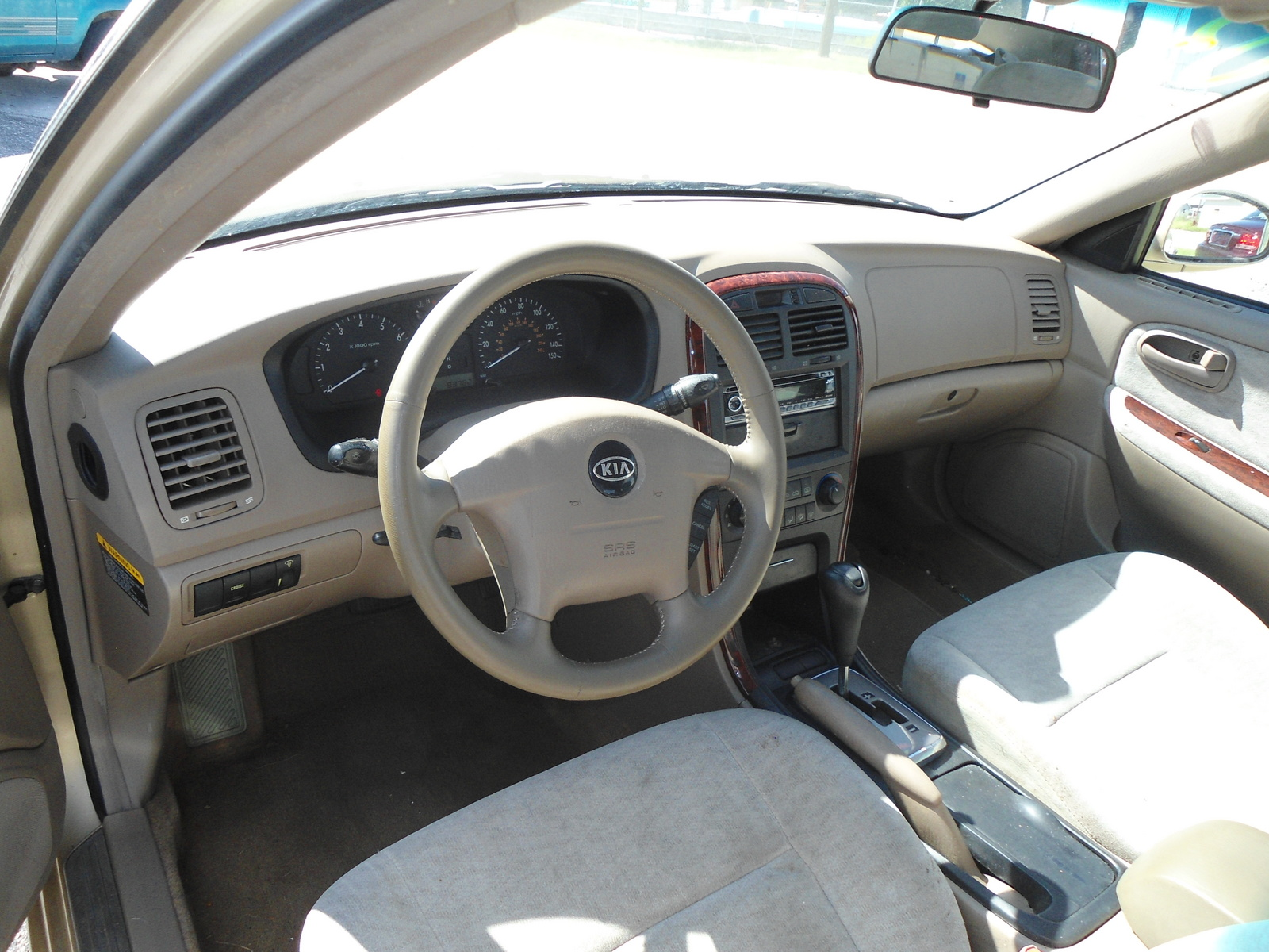 2003 Kia Optima - Interior Pictures