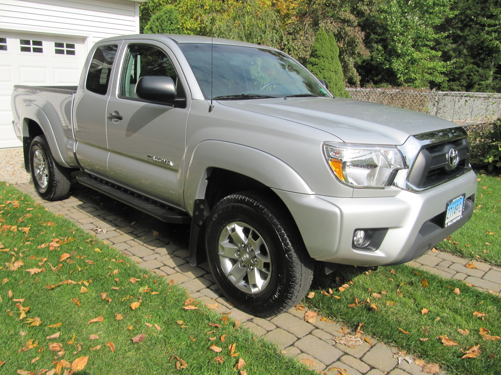 picture of 2012 toyota tacoma access cab v6 4wd exterior. Black Bedroom Furniture Sets. Home Design Ideas