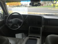 Picture of 2005 Chevrolet Avalanche Z71 4WD, interior, gallery_worthy