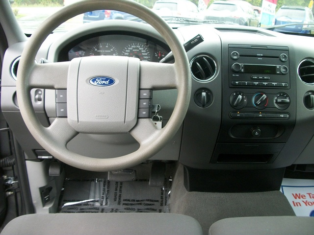 Picture of 2005 Ford F-150 XLT SuperCab 4WD, interior, gallery_worthy