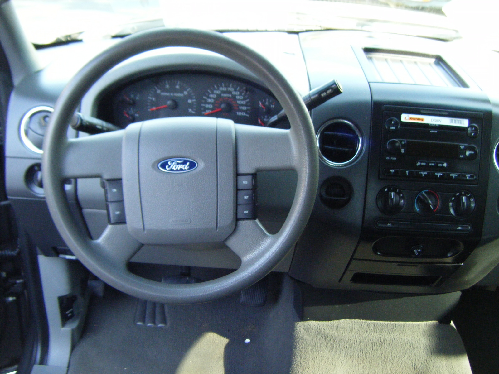 2006 ford f 150 interior pictures cargurus. Black Bedroom Furniture Sets. Home Design Ideas